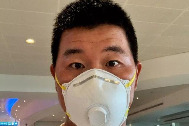 疫情下的职业高尔夫:吴阿顺沙特戴口罩,蓝湾大师赛取消