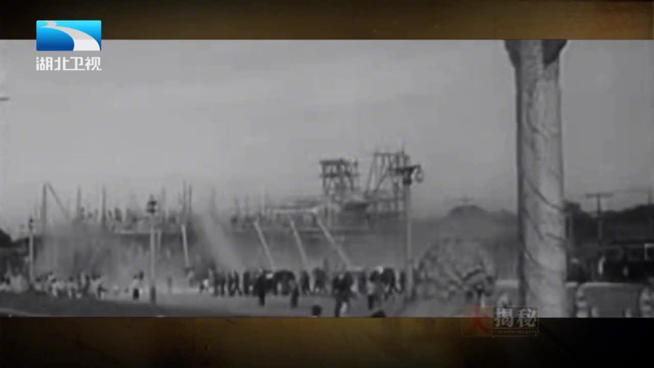 人民大会堂修建者回忆,即便晚上施工现场也是灯火通明人山人海