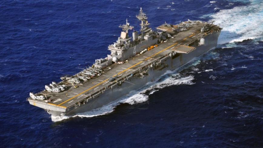 厉害!美国黄蜂级两栖攻击舰,排水量超4万吨,可载6架F-35B战机