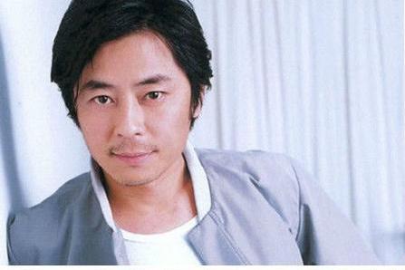 王杰怀念张国荣,向媒体坦言:若是他还活着,没人敢这么欺负我!