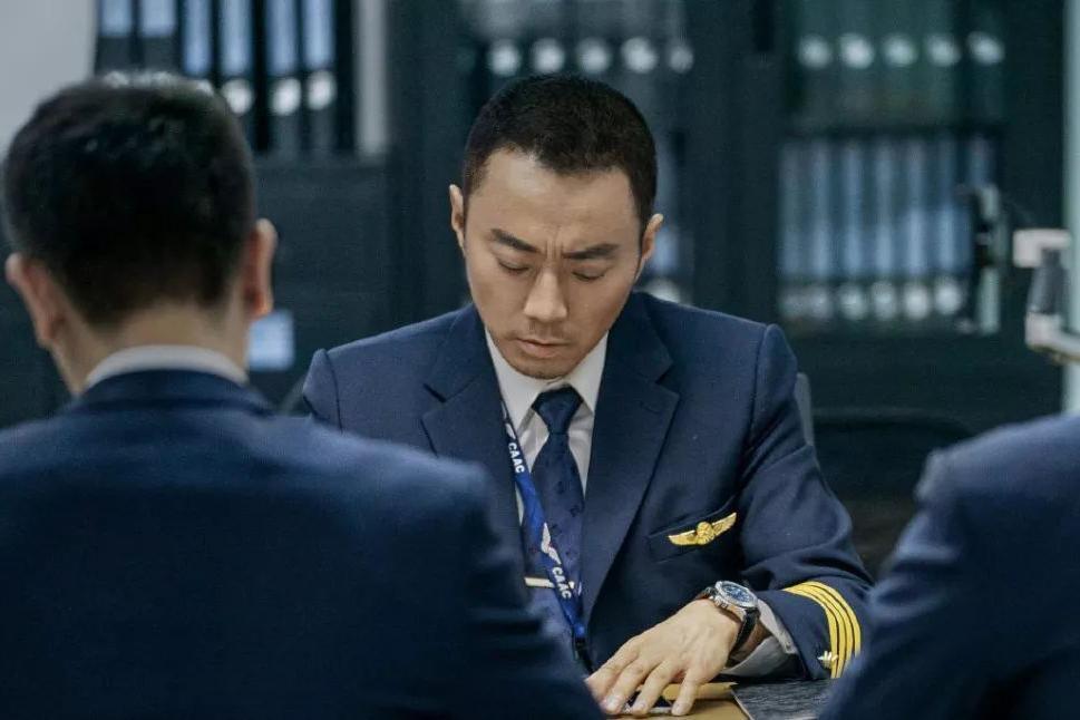 《中国机长》进入影史前十,但我更爱刘伟强导演的另一部电影!