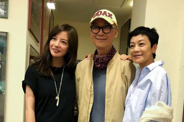威尼斯76首部华语片赵薇张艾嘉走红毯,美声天后齐豫唱片尾曲
