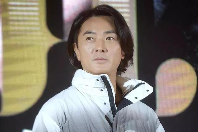 独家专访郑伊健:他说出留长发的秘密,自曝剃光头得到人生领悟