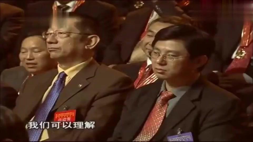 曹德旺与王健林谈对捐款的想法,原来捐款不是说捐就能捐?精彩!