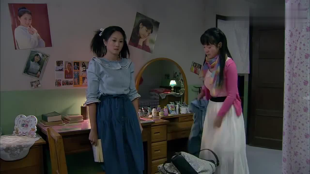 妹妹偷穿姐姐衣服被责怪,但接下来姐姐熨衣服亮了,真是奇葩啊