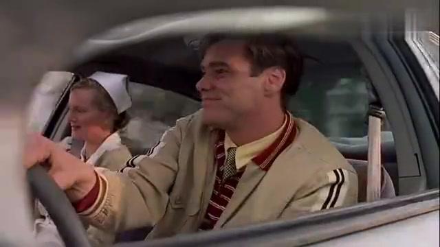 楚门的世界:想离开是真难啊,开车到哪都堵车,怎么看都像故意的