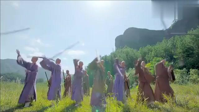 鹿鼎记:双儿武艺高强!跟着八大金刚保护皇上,实在是厉害