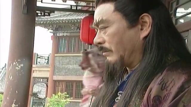 雄霸被人追杀,遇到了昔日武林神话,上演了经典的满血拉二胡