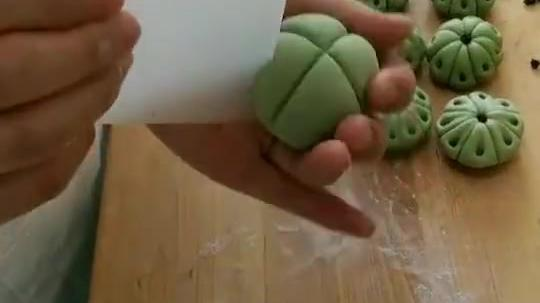 绿茶味的莲蓬包手法,和我一起做吧