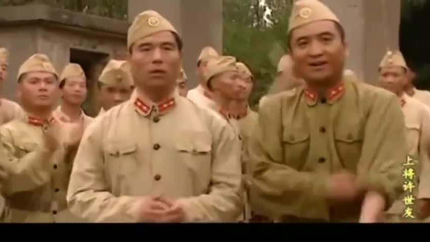 连长迎接新兵入伍,有看到新兵慌了,一排全是大将军