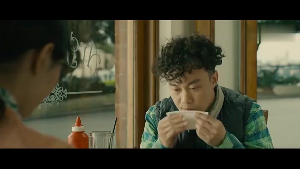 陈奕迅约桂纶镁看电影,谁知得知他的工作后,立马拒绝