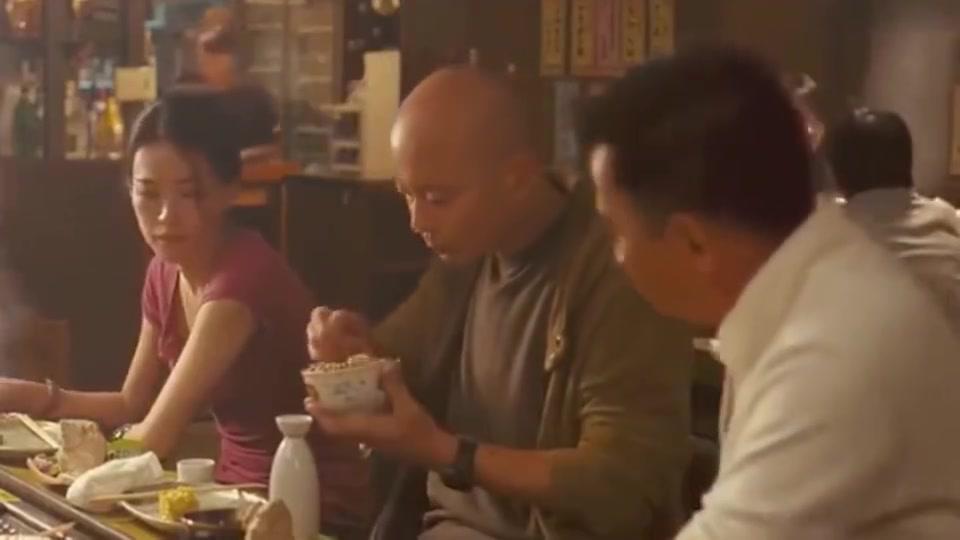 葛优吃鱼子酱海胆生鸡蛋拌饭,这一顿饭应该很贵吧
