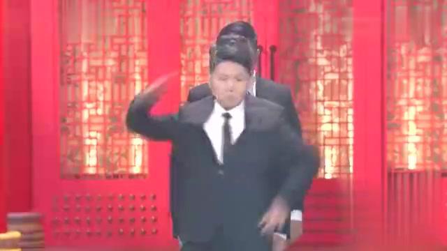 四人群口相声:周培岩在台上不跳舞直踮脚,卢鑫看完直接气懵