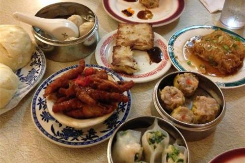 一位外国网民分享,在中餐馆吃素食的经历,让我们笑一会