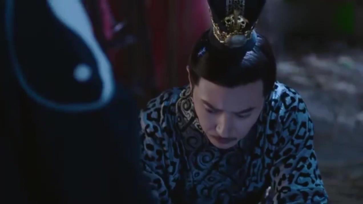 杨坚无意撞翻签筒,突然惊现一位道士,启发他知晓独孤天下的预言