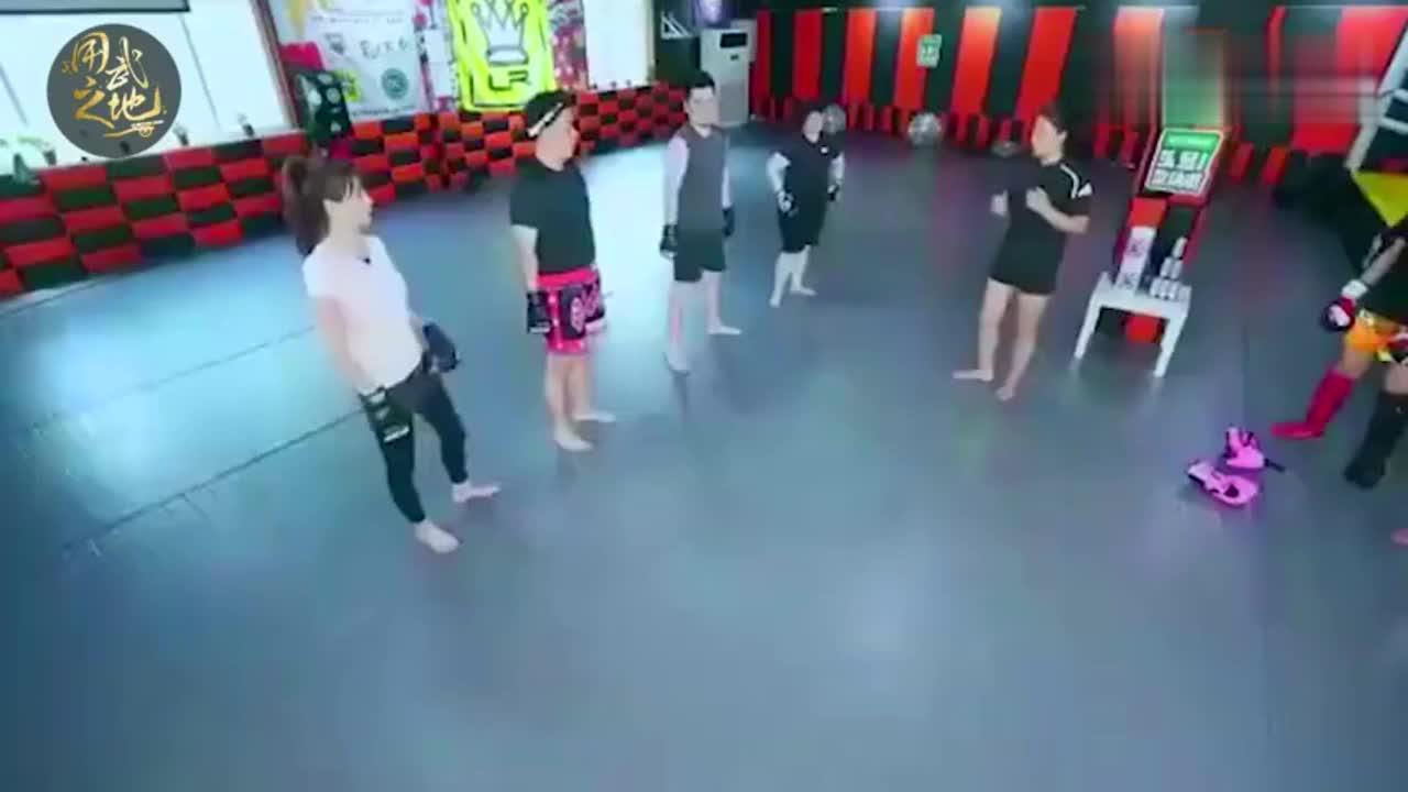 """""""搏击玫瑰""""唐金教杜海涛打拳!"""