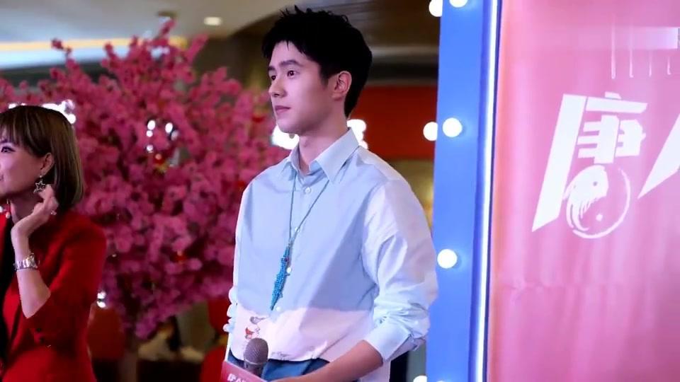 唐人街探案3:刘昊然路演现场,介绍拍戏细节,全神贯注