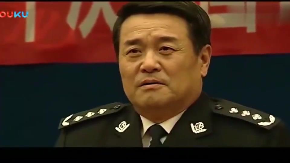 警中警:暗访查出问题,局长被点名站起来,被厅长训了一顿
