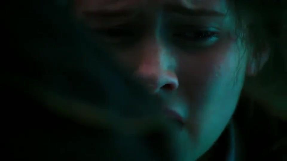 美女对接神经元却身陷过去,杰克极力阻止未果,美女当场崩溃!