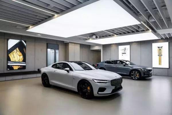 逛个艺术馆顺便把车订了,这个新能源品牌背景不一般