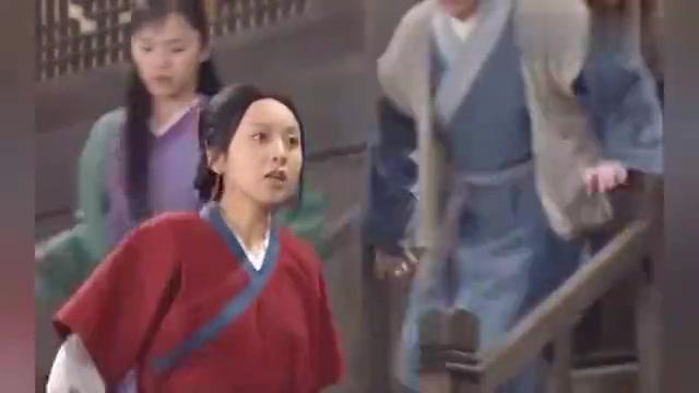 武林外传:老白因为狂犬病被抓,湘玉拦着,谁知他竟咬了小六