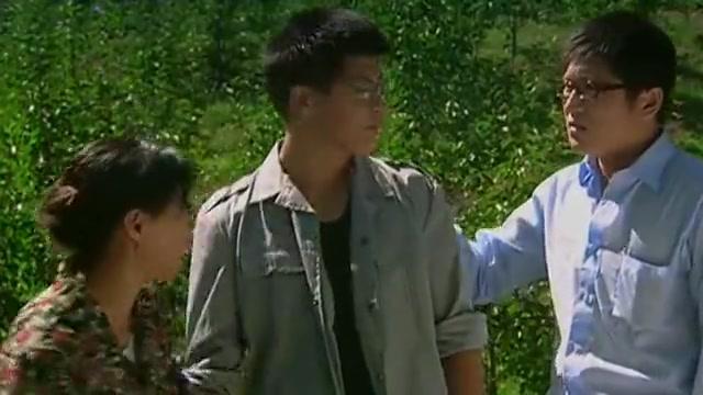 乡村爱情:王小蒙回到家看到家门口贴着招工启示,一把就撕了