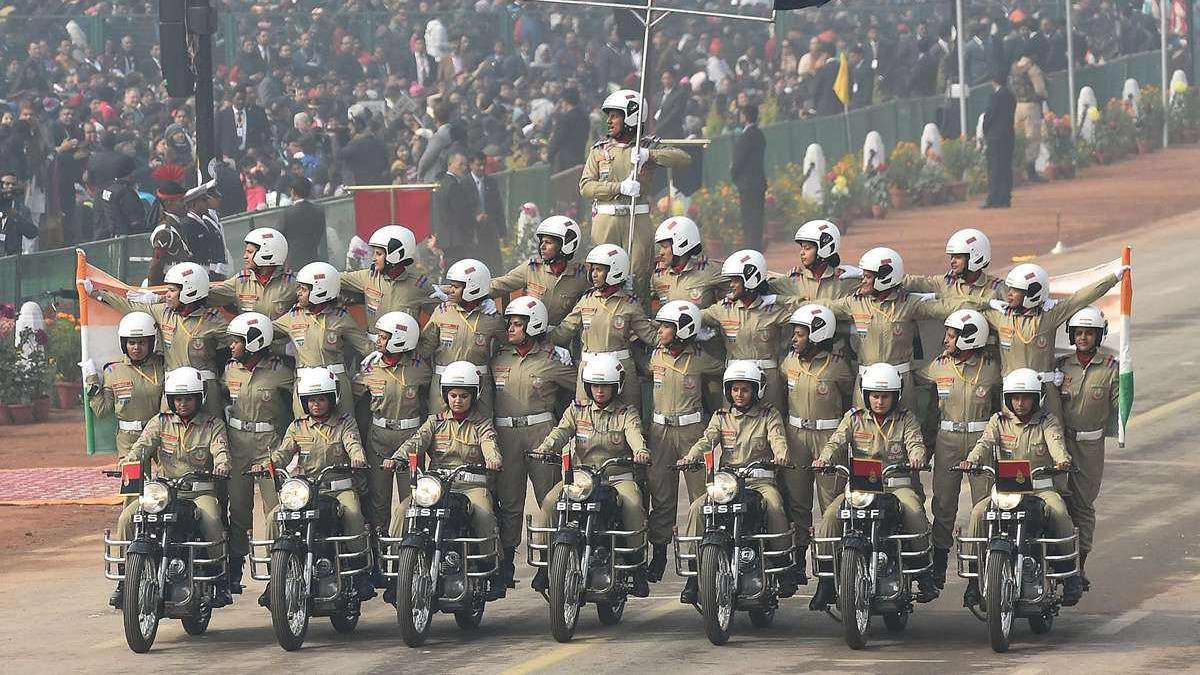 印度举行的阅兵仪式上,惊艳亮相的摩托车方队,堪称一道经典风景