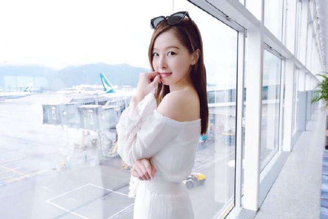 香港美女歌手乐瞳迷人写真美照欣赏