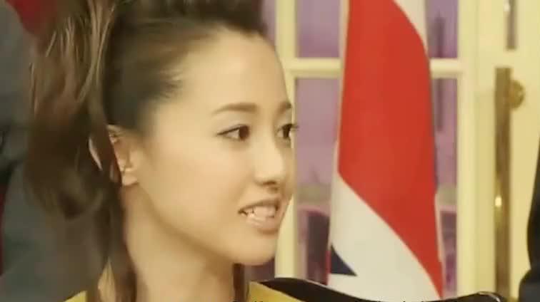 日本女演员泽尻英龙华涉毒被捕,网友:一手好牌却打得稀巴烂!