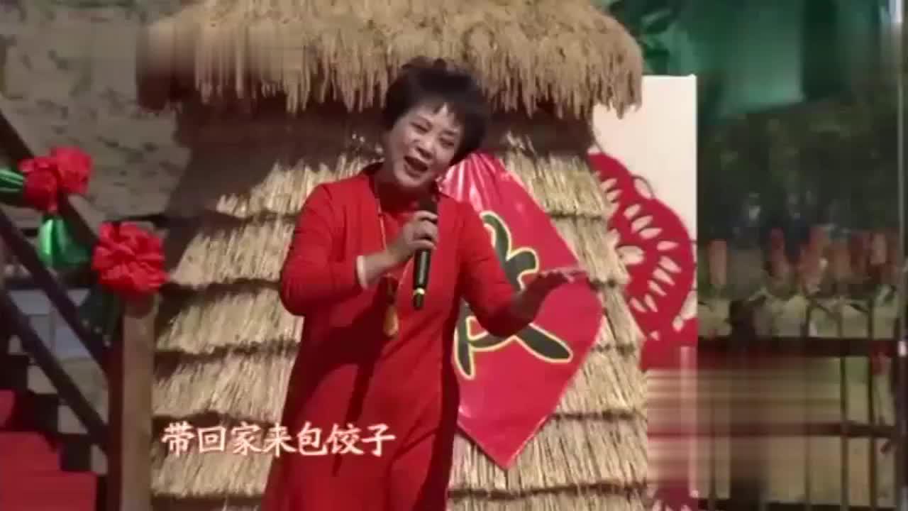 李元华献唱《白毛女》插曲《北风吹》穷孩子苦中作乐其乐无穷