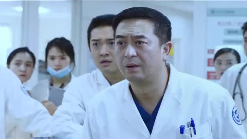 小伙失去女友精神错乱护士,劝说无效惨遭割喉
