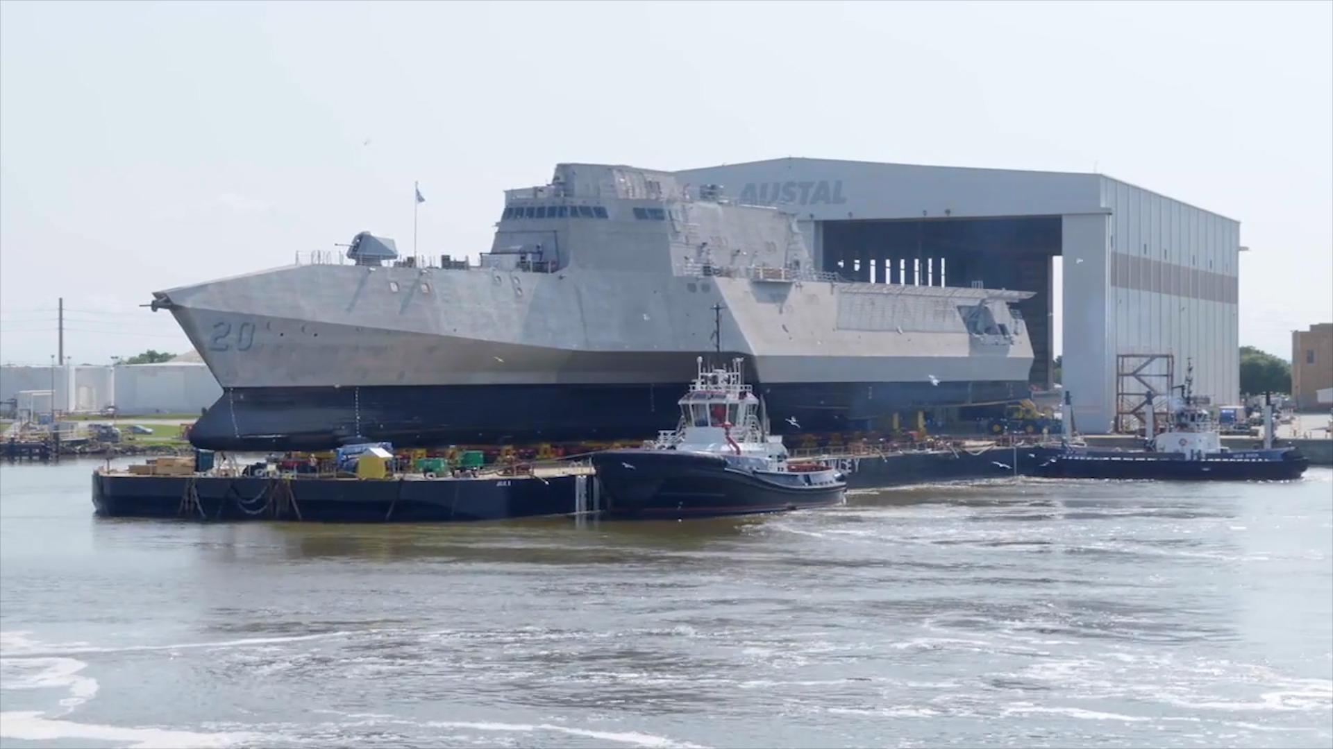 """美国海军独立级濒海战斗舰,""""辛辛那提""""号LCS-20下水镜头!"""