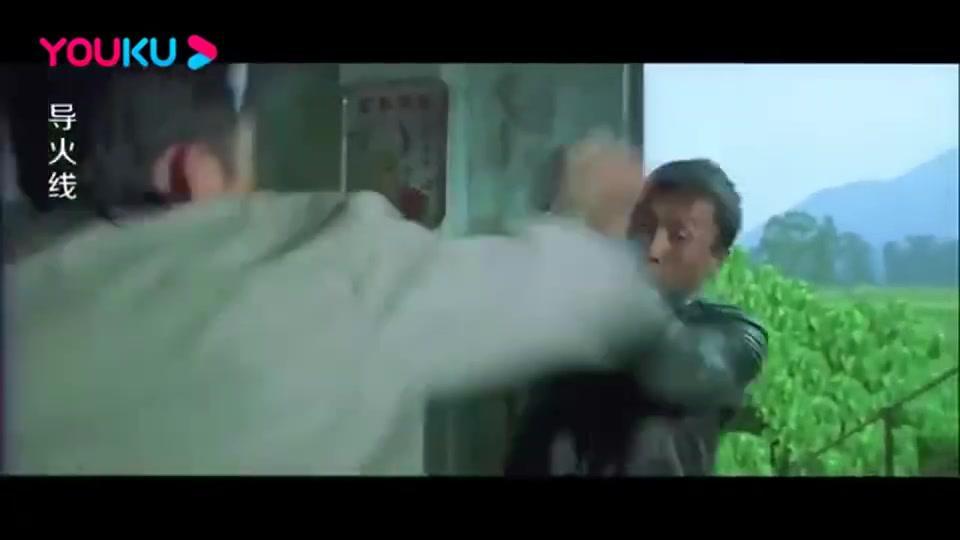 导火线:邹兆龙对战甄子丹,拳拳到肉,手都打得直哆嗦