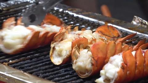 韩国街头的芝士烤龙虾,当芝士融化的那一刻,让人忍不住咽口水!