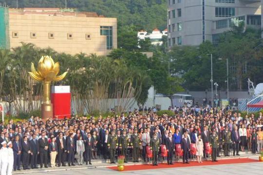 国旗飘扬,国歌嘹亮!澳门特区举行70周年国庆升旗仪