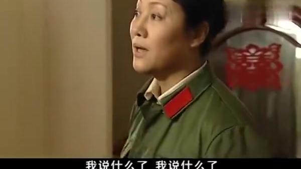 幸福像花儿一样:杜娟想要去找林连长,林彬得知是白杨帮助了他