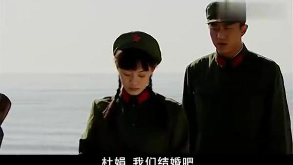 幸福像花儿一样:林彬没走,白杨担心杜娟反悔又与初恋走在一起