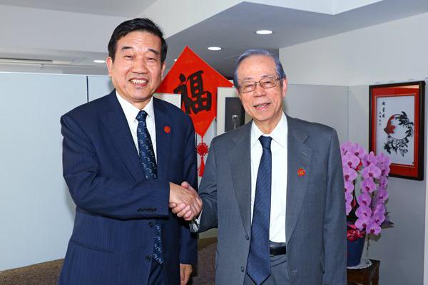 日本前首相福田康夫亲切会见中国书法家协会主席苏士澍