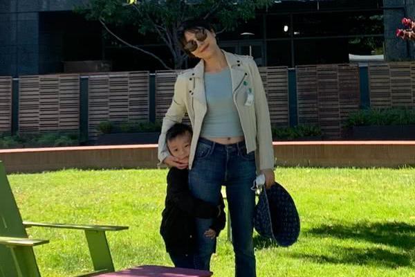 汪涵妻子带儿子参观科技园,4岁沐沐好奇心满满,立志要读斯坦福
