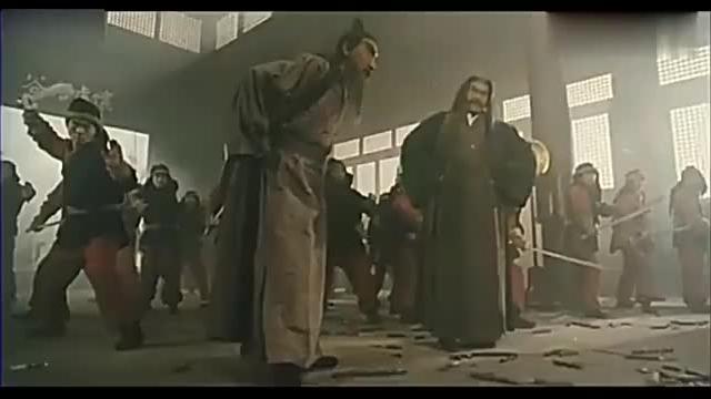 倚天屠龙记张无忌使出乾坤大挪移和九阳神功玄冥二老被他打败