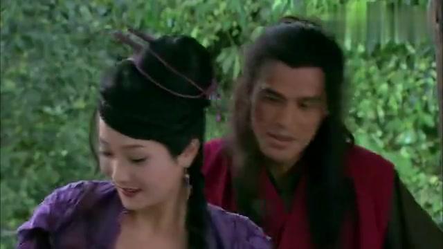 花子虚陷害武松心中惶恐不安,连夜出逃,却没逃掉二娘的柳叶刀