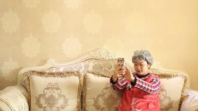 53岁老妇再婚,结婚26天突然离婚,原因让全村哄然大笑