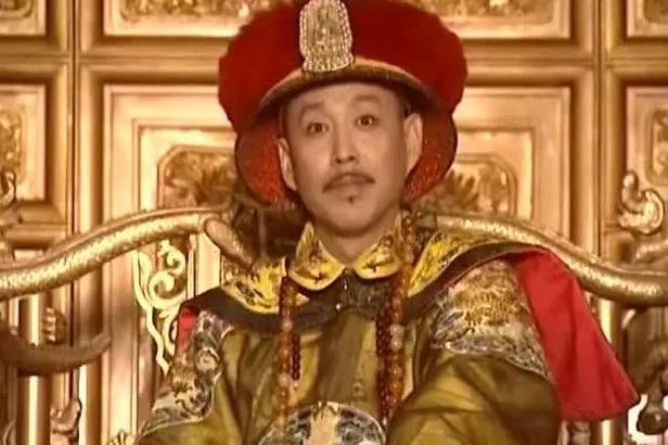 清朝拥有12位皇帝,从康熙皇帝开始,为何都需要佩戴朝珠?