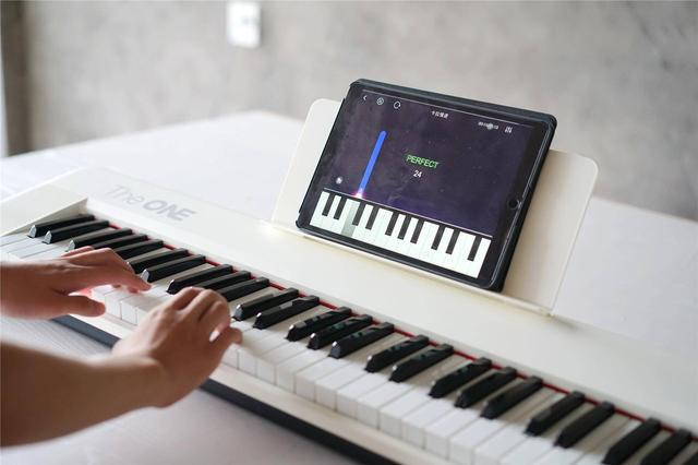 很适合初学者:The ONE智能电子琴Air上手体验