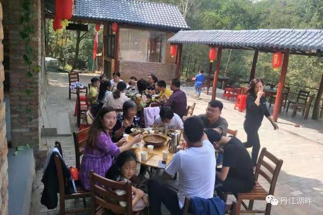 淅川县大石桥乡横沟村:凤凰古寨带民富