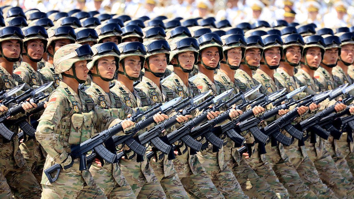 世界各国士兵阅兵场景,画风一转,中国解放军霸气亮相!