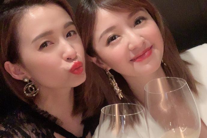 TVB女演员沈卓盈迷人写真美照欣赏
