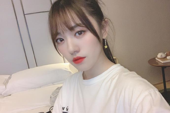 偶像女团SNH48万丽娜迷人写真美照欣赏