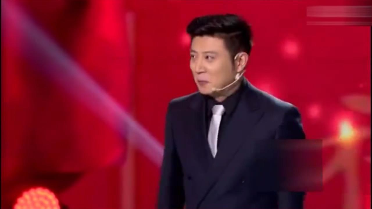 欢笑集锦:徐宇泽唱功不错,博得观众喝彩不断