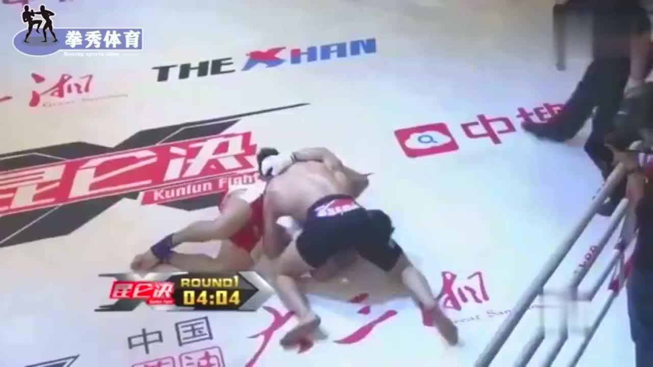 中韩高手铁拳对攻不后退,闫西波满脸挂彩毫不手软硬对硬击败强敌